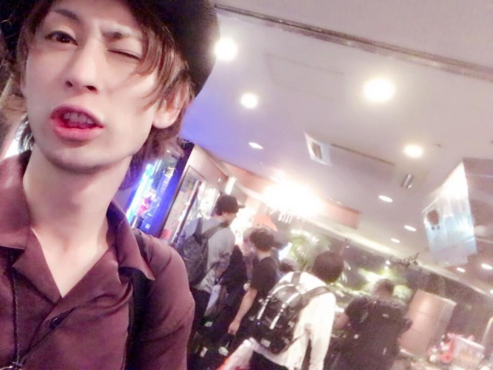 山下慎悟(俳優&パフォーマー)(甘党男子3illfy )
