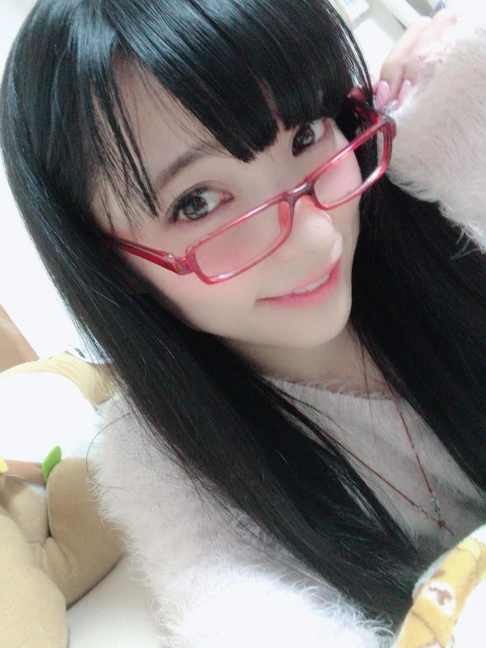 鈴音ひとみ(ひとにゃん)(鈴音ひとみ )